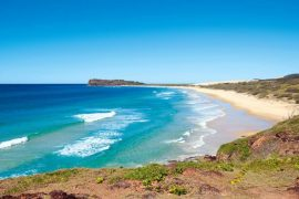 Fraser-Islands-75-mile-beach-696x435-1.jpg